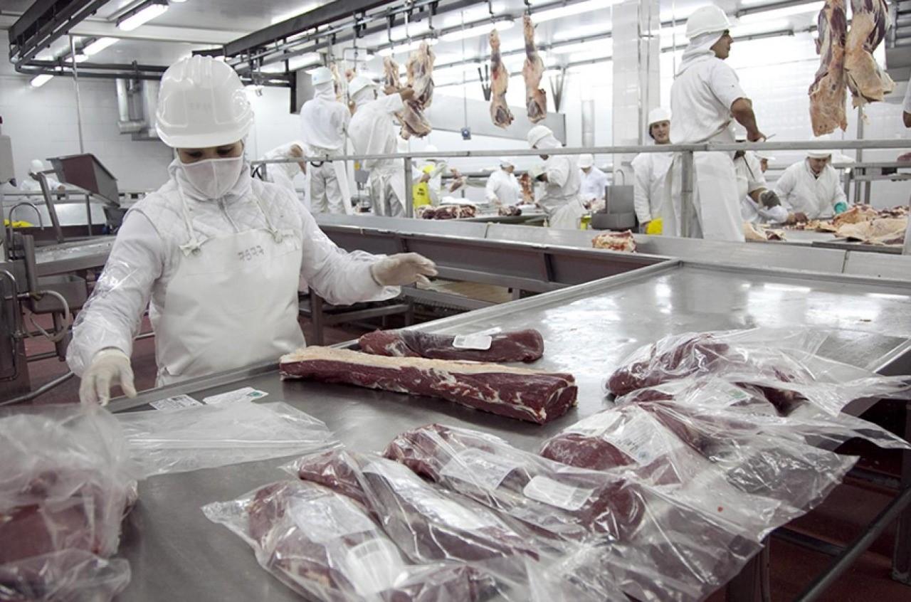 Las restricciones a la exportación de carne impidieron nuevo récord de envíos