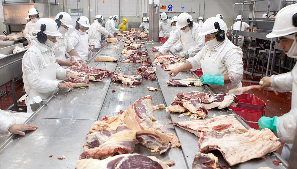 """Sigue sin aviso oficial la liberación de la exportación de """"vaca conserva"""" a China"""