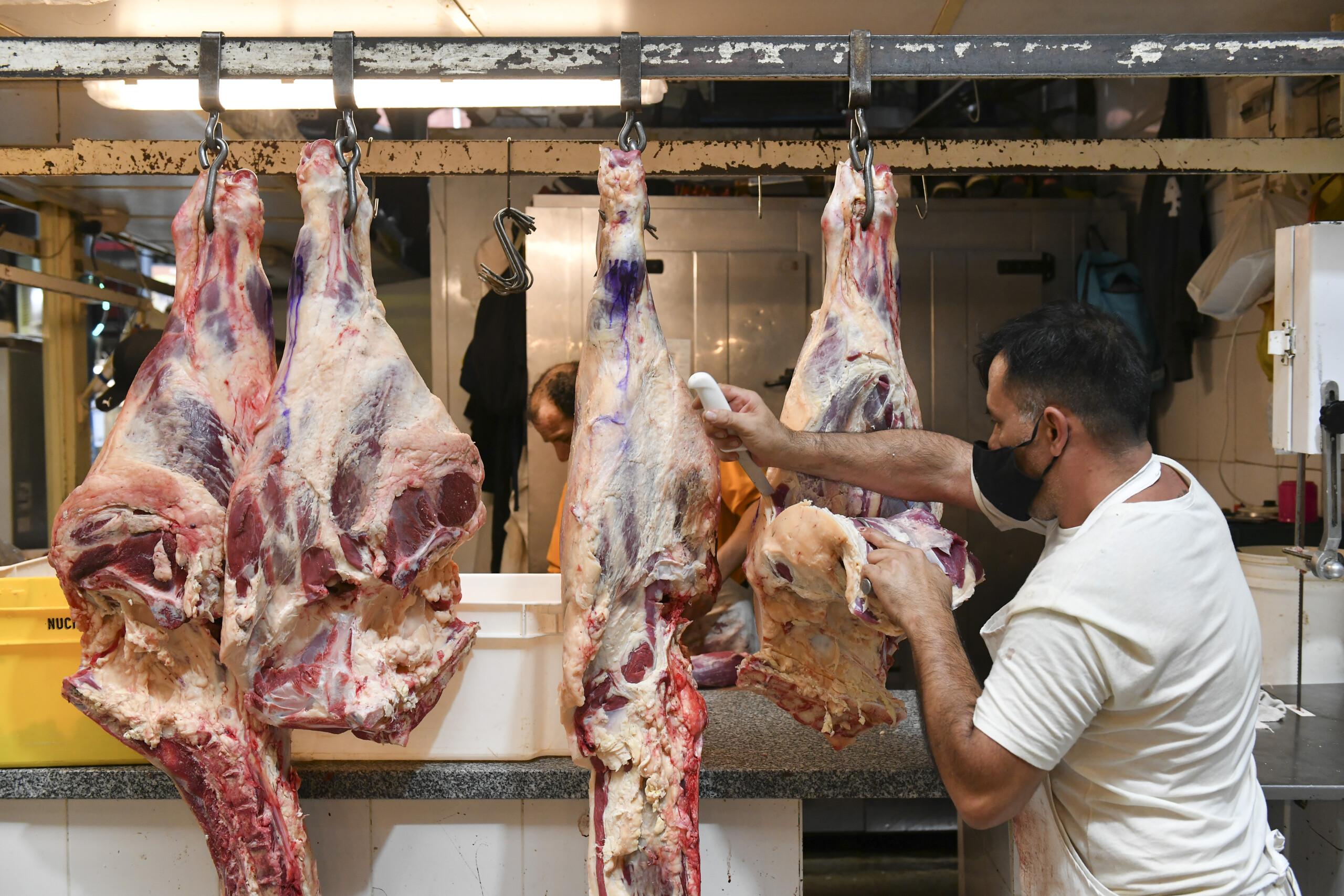 """""""Les hablan a sus votantes"""": duro revés contra el Gobierno por las restricciones a la carne"""