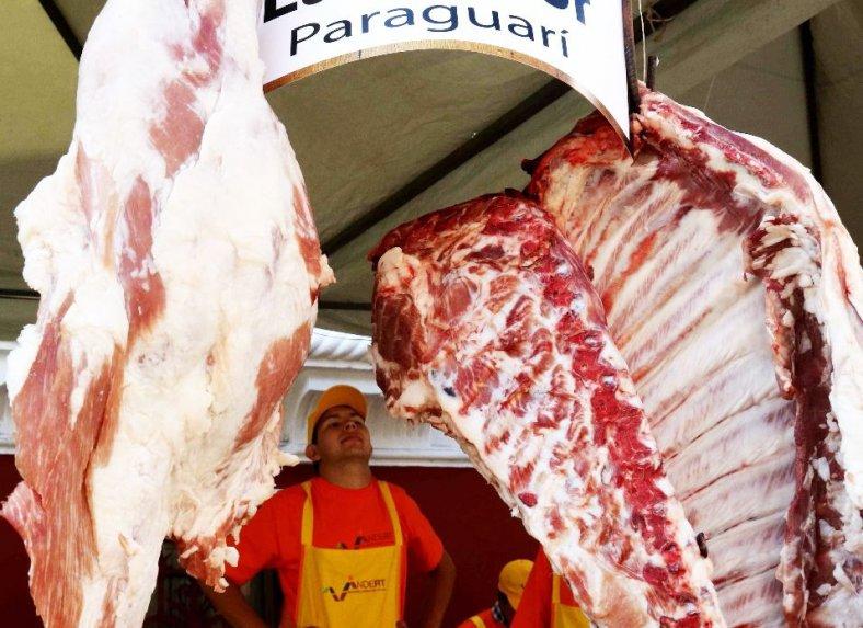 Paraguay exporta más carne pero a precios menores