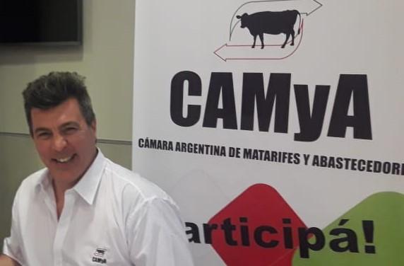"""Peleas y sospechas detrás de los nuevos controles a la carne: Matarifes denuncian que los grandes frigoríficos quieren armar un """"monopolio exportador"""""""