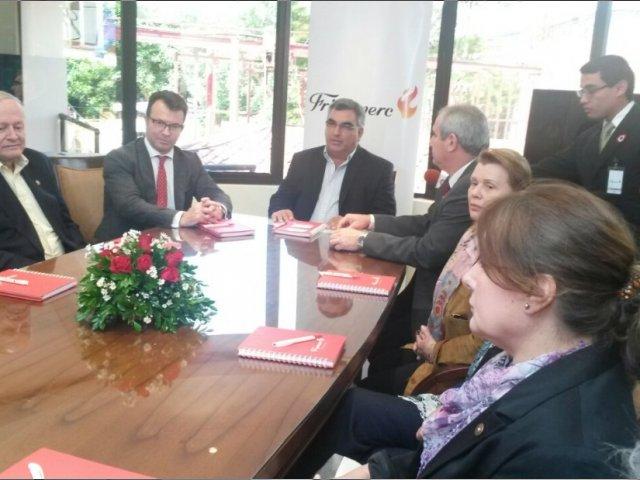 Unión Europea visita frigorífico en Paraguay, tras reapertura de mercado